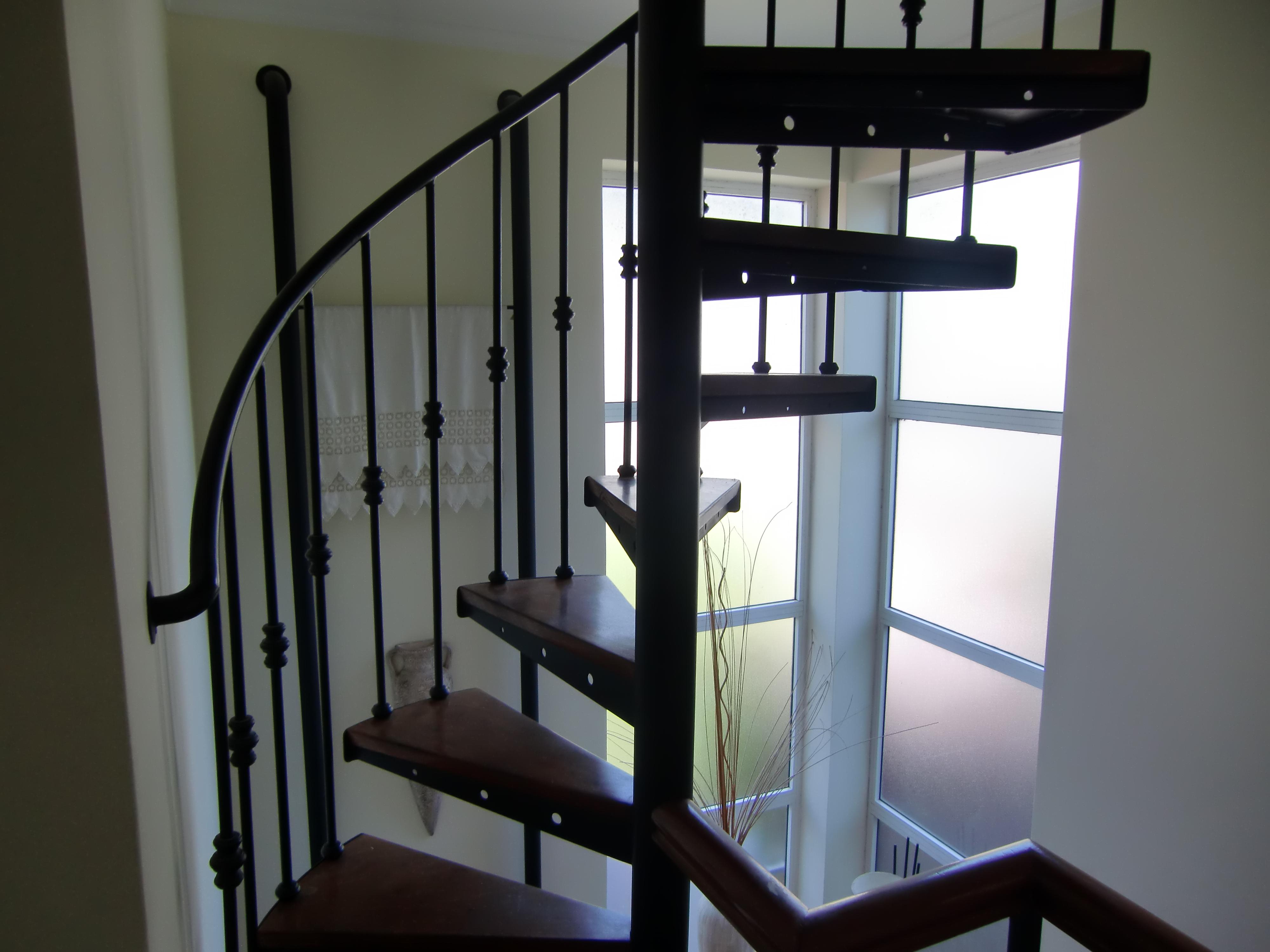 Escadas de caracol em ferro