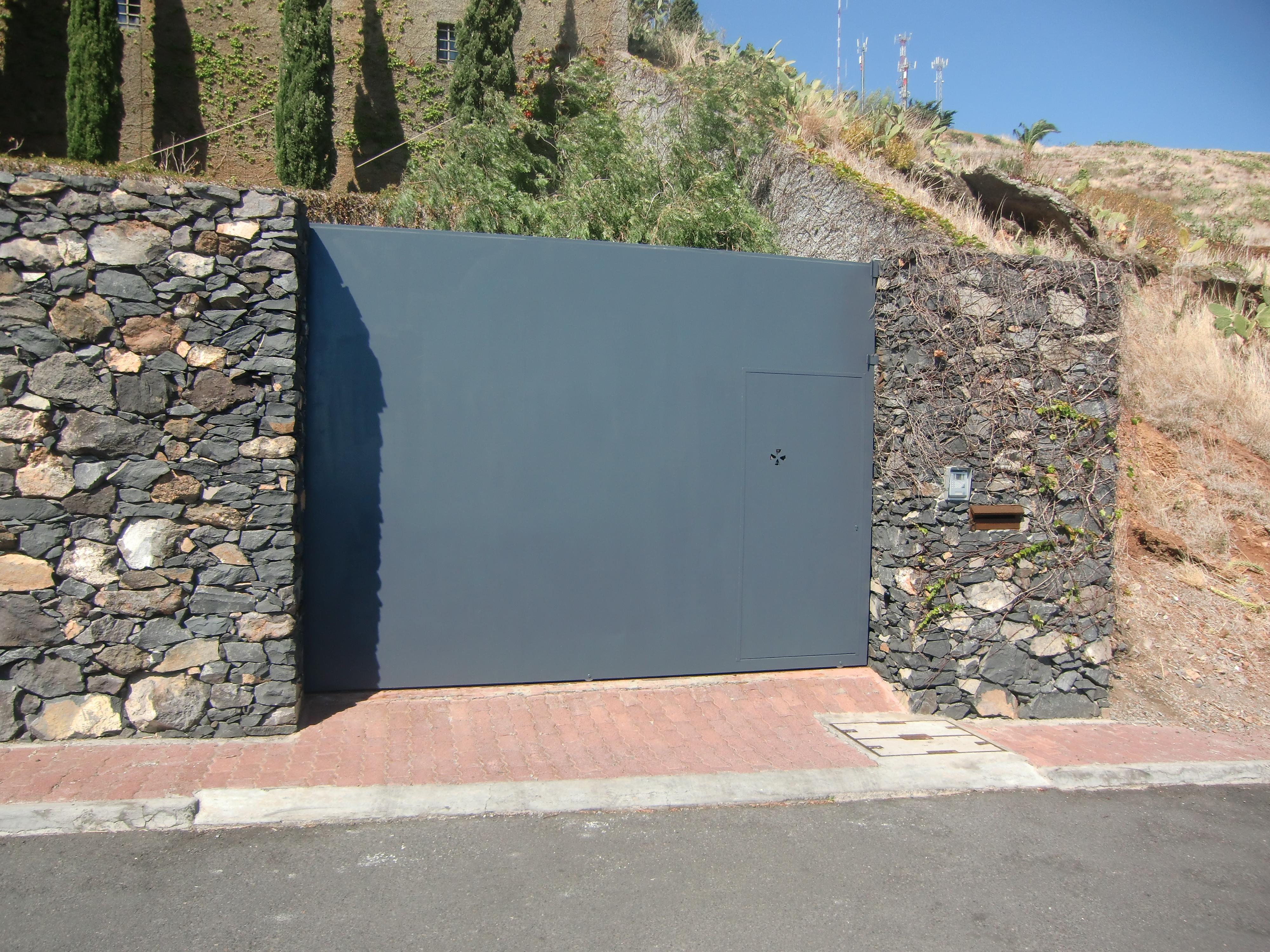 Porta de Garagem em Ferro